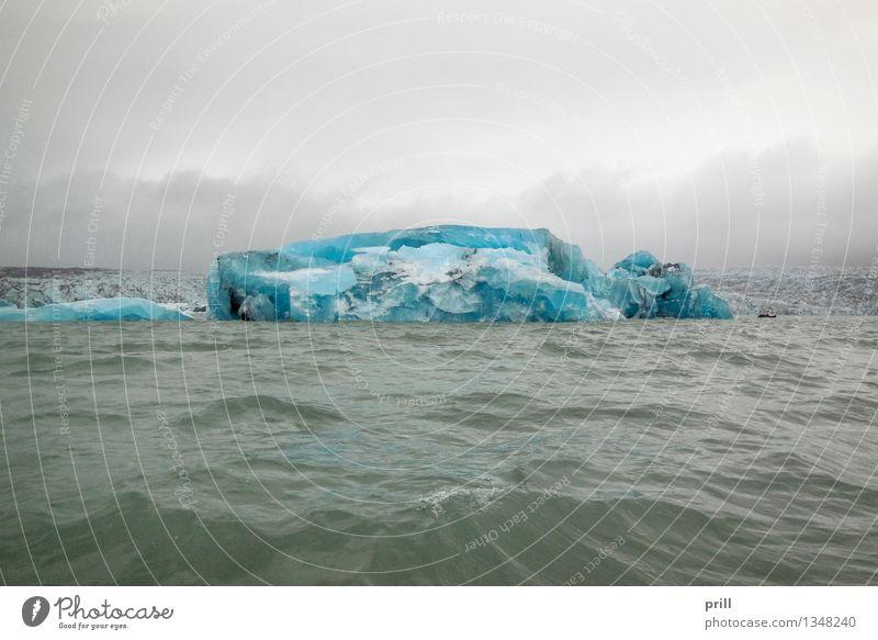coastal iceberg scenery Meer Wellen Natur Wasser Wolken Küste kalt blau Eisberg Island Eisscholle schwimmender eisberg treibender eisberg gefroren natürlich