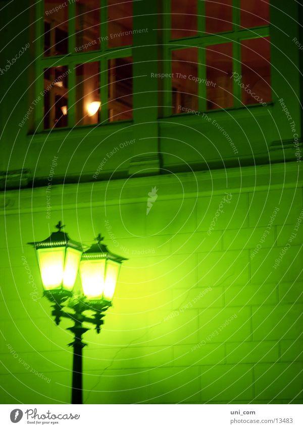 Straßenlaterne grün Wand Fenster Dinge Laterne