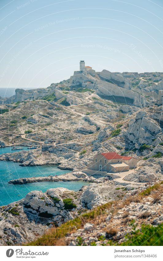 Îles de Marseille I Natur Landschaft Wasser Himmel Abenteuer Insel Felsen Stein wandern Burg oder Schloss Festung Mauer Wege & Pfade Außenaufnahme Bucht