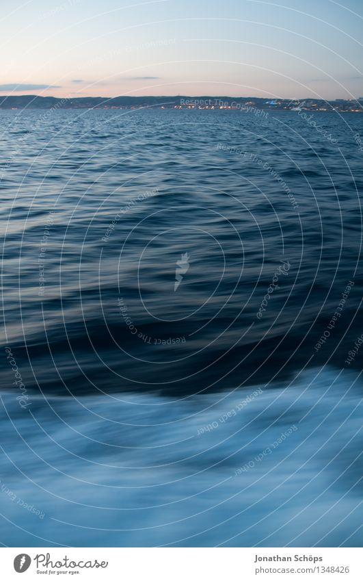 Îles de Marseille XII Wasser Sonnenaufgang Sonnenuntergang Wellen Küste Insel Geschwindigkeit Geschwindigkeitsrausch Bootsfahrt Südfrankreich Frankreich Meer