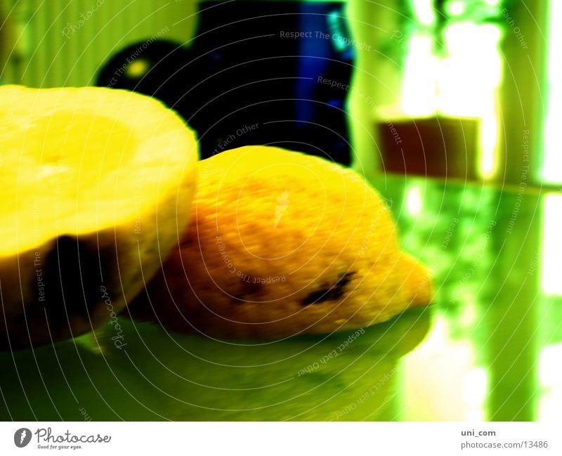 angesäuert gelb Gesundheit Wut Hälfte Zitrone Zitrusfrüchte Grünstich Glastisch