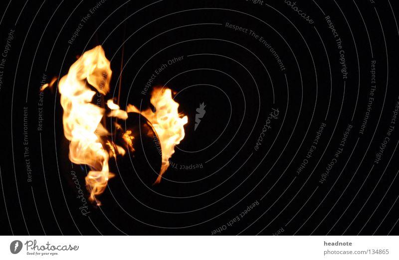 Feuer frei feurig rot gelb schwarz brennen Nacht dunkel Brand Flamme Lampe orange Teufel