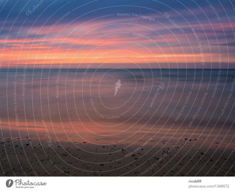 Sonnenuntergang Erholung Ferien & Urlaub & Reisen Strand Meer Natur Landschaft Wasser Wolken Küste Ostsee blau gelb Romantik Idylle ruhig Tourismus Warnemünde