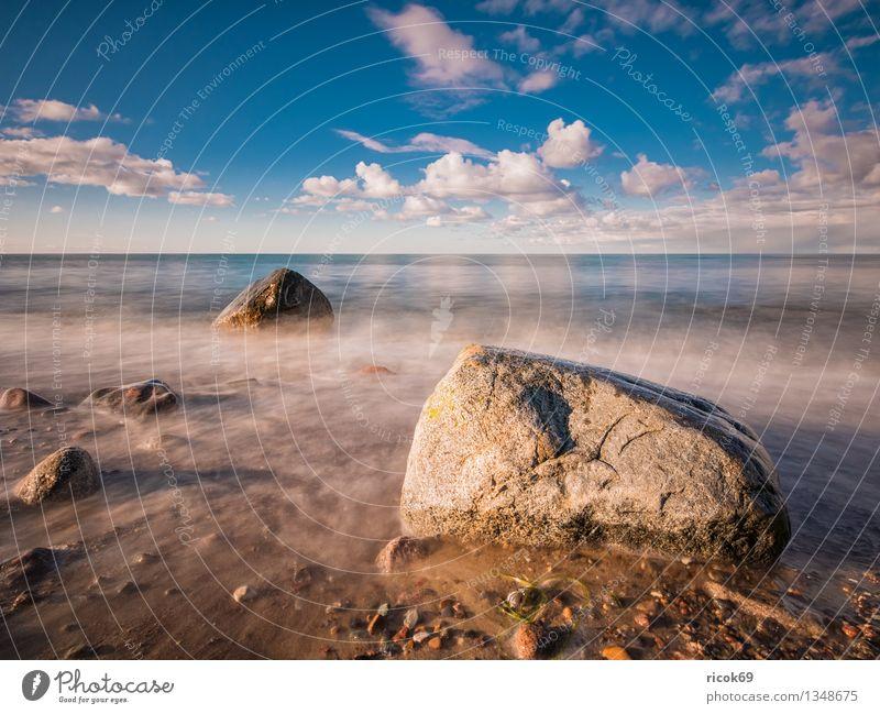 Ostseeküste Ferien & Urlaub & Reisen Strand Meer Natur Landschaft Wasser Wolken Felsen Küste Stein blau Romantik Idylle ruhig Tourismus Steinblock