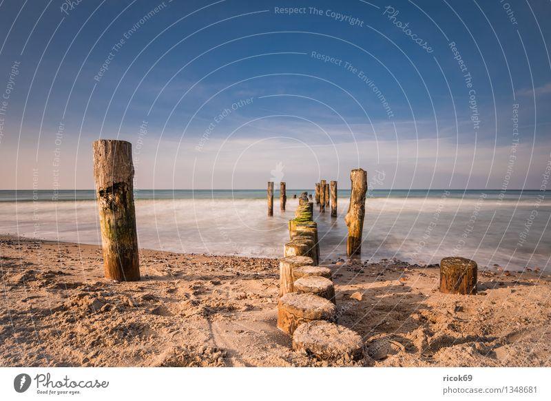 Buhne Erholung Ferien & Urlaub & Reisen Strand Meer Wellen Natur Landschaft Wasser Wolken Küste Ostsee blau Romantik Idylle ruhig Tourismus Himmel