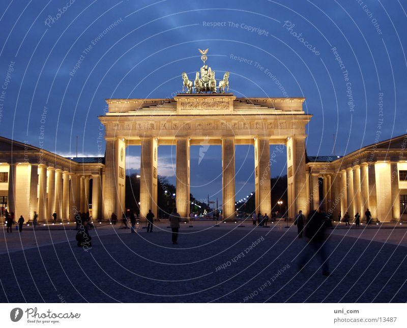 Brandenburger Tor Mensch Berlin Beleuchtung Architektur Pariser Platz