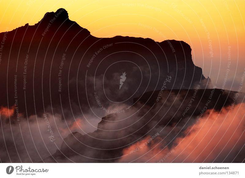 Wandersaison 2008 Himmel Sonne blau rot Wolken gelb Ferne Farbe kalt Berge u. Gebirge Luft wandern Nebel Hintergrundbild Wetter Aussicht