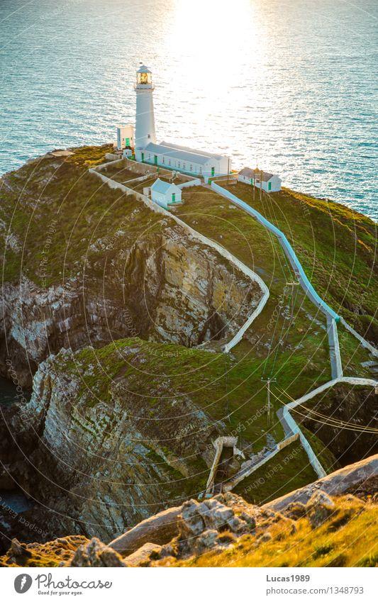Am Ende der Welt Natur Pflanze Wasser Sonne Erholung Meer Landschaft Umwelt Wand Wiese Gras Küste Mauer Felsen leuchten Wellen