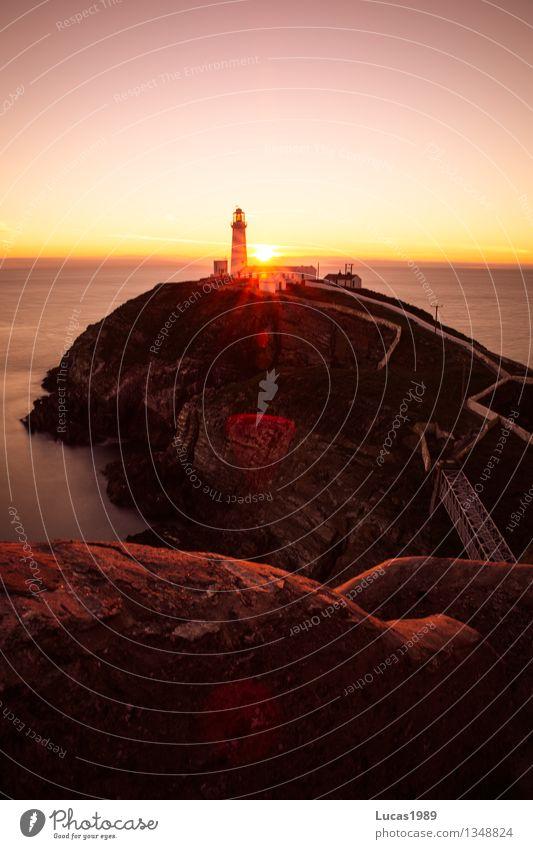 Goldene Stunde Himmel Ferien & Urlaub & Reisen schön Sonne Meer Landschaft Haus Ferne gelb Küste außergewöhnlich Freiheit orange Tourismus leuchten Wellen