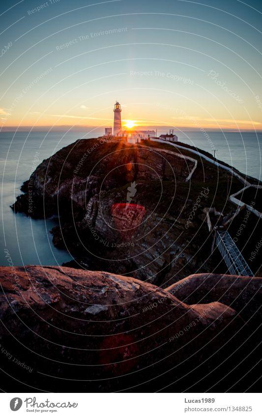 South Stack Lighthouse Ferien & Urlaub & Reisen Sommer Sonne Erholung Meer Ferne Strand Küste Glück Freiheit Zufriedenheit Tourismus leuchten Wellen