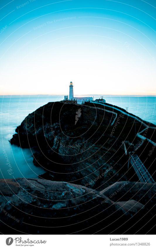 Leuchtturm kalt Natur Ferien & Urlaub & Reisen blau Wasser Meer Landschaft Ferne Winter Umwelt Herbst Küste Freiheit Felsen Eis Nebel