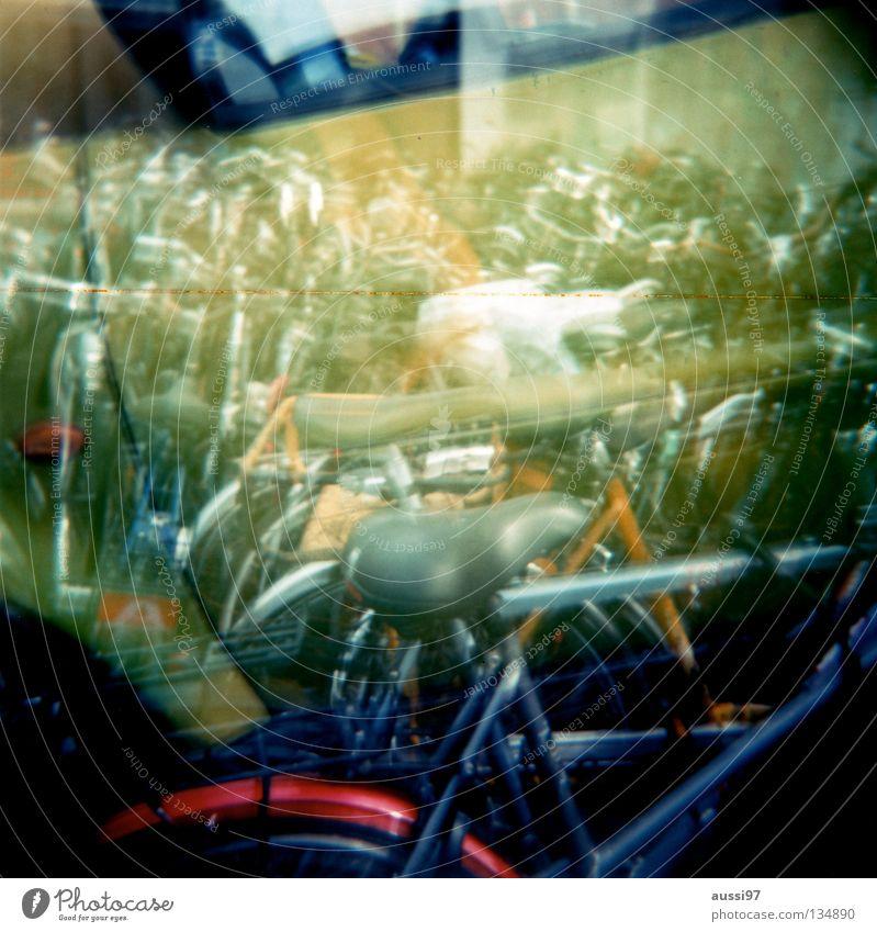 Heute ist Doppelbelichtungstag! Mittelformat Holga Fahrrad Freizeit & Hobby Lomografie aussi und leicagirl getauschter Film Vignette