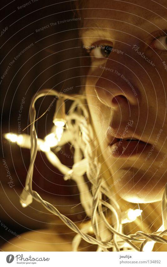 girly3 Frau Weihnachten & Advent Auge dunkel Mund Glühbirne Lichterkette