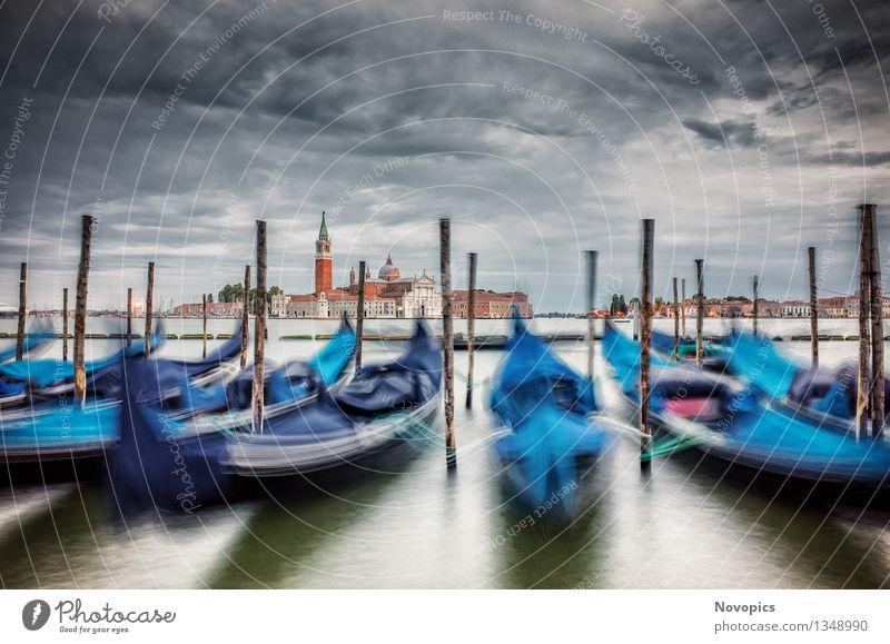 Expedition In Venezia XIX Wasser Wolken Stadt Architektur Verkehrsmittel Bootsfahrt Wasserfahrzeug blau rot Tradition Venedig Monolithsaeule Markusplatz