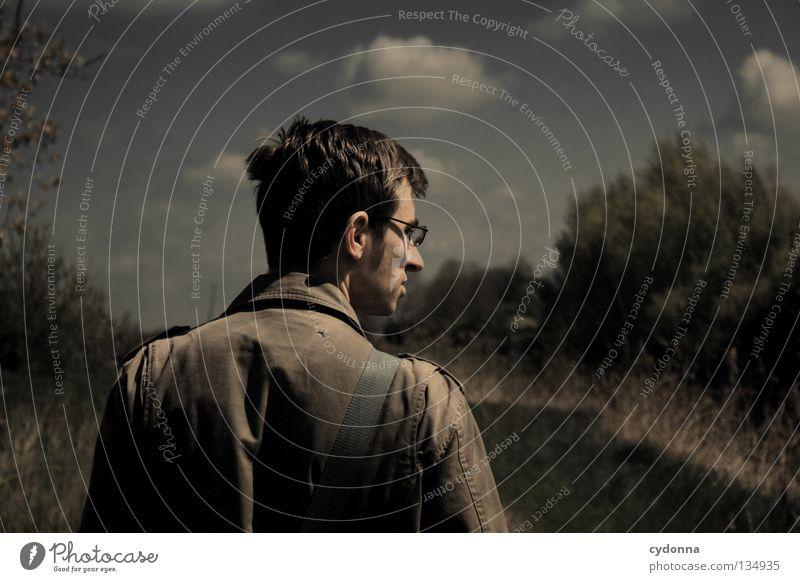 Auf Wanderschaft Freizeit & Hobby Wiese schön Gras Halm lang Wolken Physik Richtung Windrichtung Botanik gehen wandern Bewegung Luft Mann Kerl Brille genießen