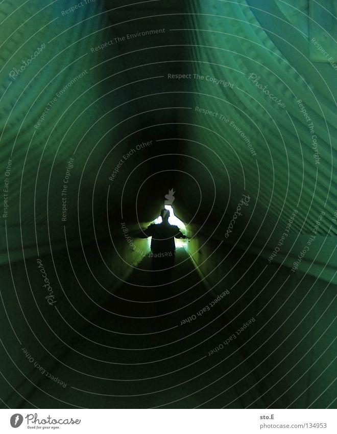 Esc Streifen gestreift weiß grün Fluchtweg dunkel Futurismus Geometrie Platzangst Tunnel Stahl Beton Photo-Shooting Zukunft flüchten Maschine Kunst Kultur