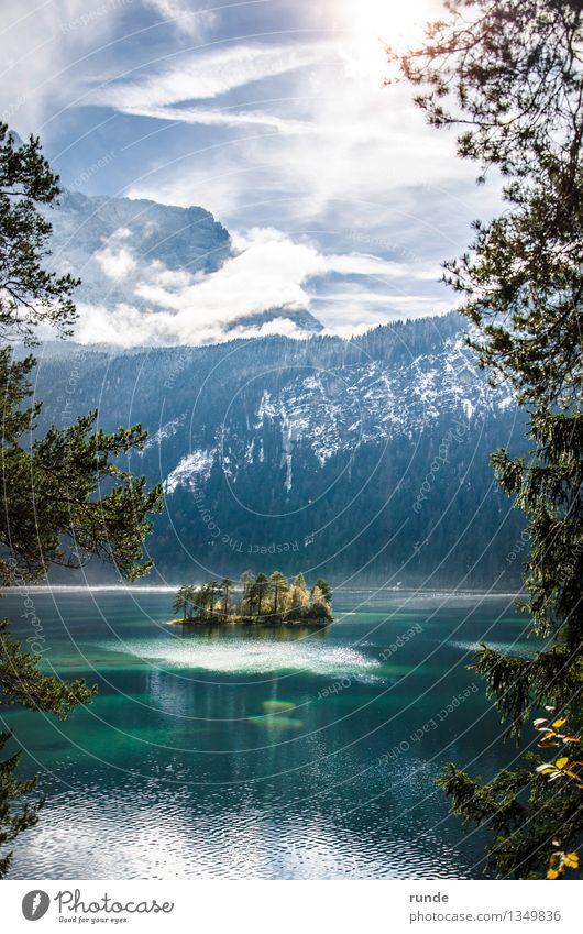Bergsee Natur Landschaft Wasser Himmel Wolken Sonne Sonnenlicht Herbst Winter Baum Wald Berge u. Gebirge Schneebedeckte Gipfel Seeufer Insel Eibsee Holz atmen