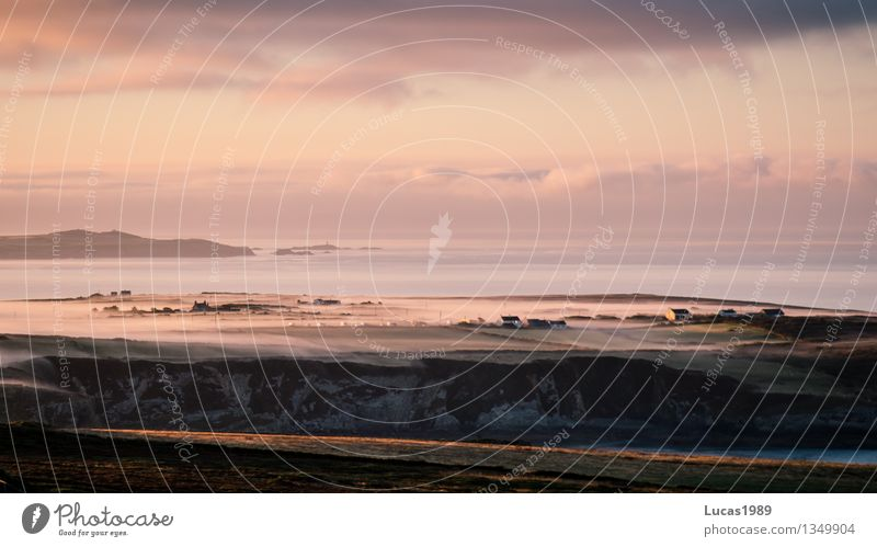Nebelbank an der Küste Himmel Natur Ferien & Urlaub & Reisen schön Meer Landschaft Wolken Haus Ferne Berge u. Gebirge Freiheit Felsen Tourismus Ausflug