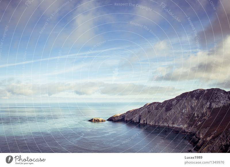 Bucht Himmel Natur Ferien & Urlaub & Reisen blau Wasser Meer Landschaft Wolken Ferne Reisefotografie Umwelt Küste grau Freiheit Felsen Horizont