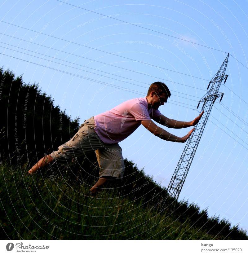 marcus contendit Hand Oberkörper hängen festhalten greifen Strommast Elektrizität Kabel Elektrisches Gerät Wolken berühren Warnhinweis Mann drücken schieben