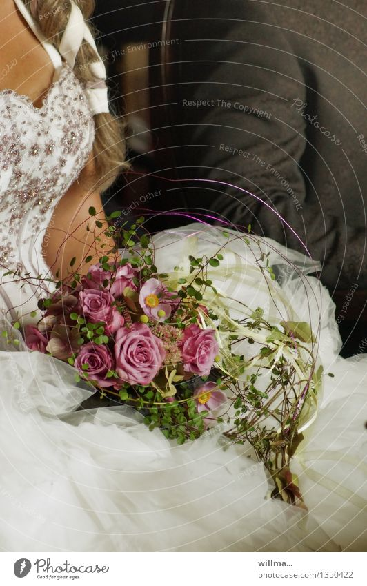 trau dich II schön Liebe Gefühle Glück Paar Zusammensein elegant Romantik Hochzeit Rose Zusammenhalt Blumenstrauß Vertrauen Partner Erwartung Zopf