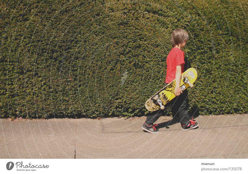 Skate it! X - Ich hab fertig! Kind Jugendliche Straße Asphalt sportlich Bewegung Freizeit & Hobby Freude Sport Funsport Skateboarding Müdigkeit
