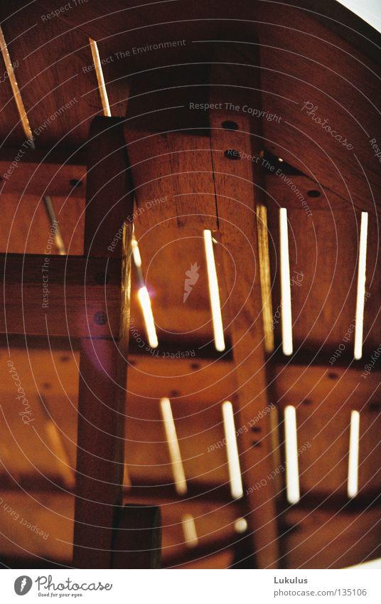 Ein bisschen Platz für Licht Tisch Holz braun Sommer Möbel Schraube Spalte Balken Strukturen & Formen