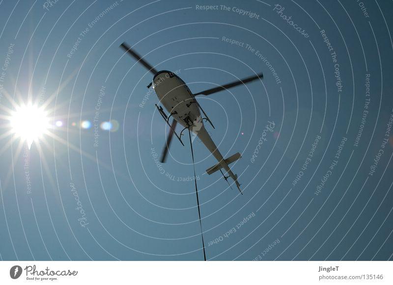 Ikarus Schweben Hubschrauber Fluggerät Momentaufnahme angeleint Luftverkehr Himmel Sonne blau Schönes Wetter Güterverkehr & Logistik