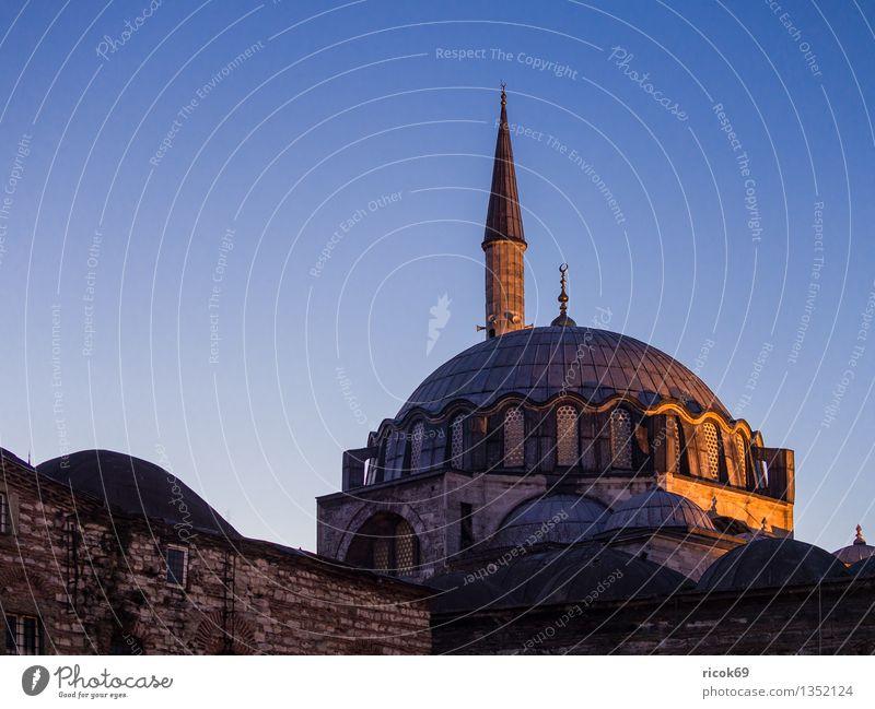 Moschee Ferien & Urlaub & Reisen Stadt Turm Bauwerk Gebäude Architektur Sehenswürdigkeit Wahrzeichen Romantik Idylle Religion & Glaube Tourismus Tradition