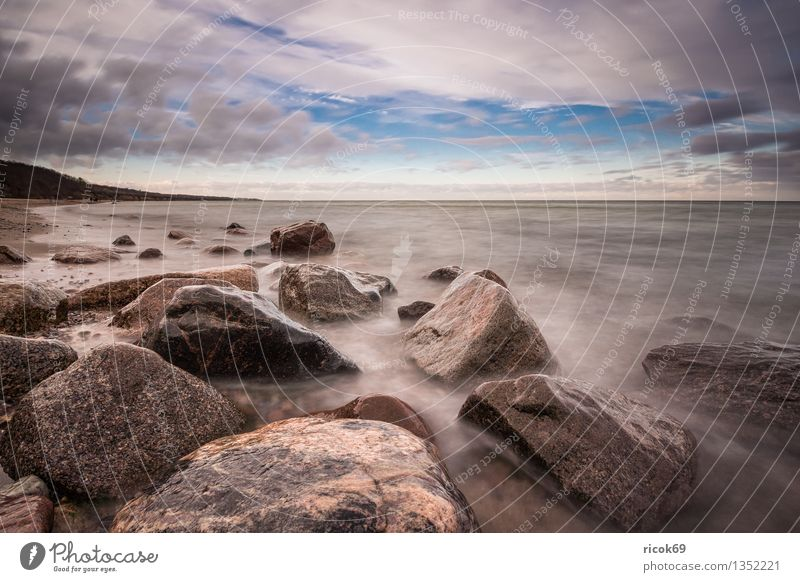 Ostseeküste Erholung Ferien & Urlaub & Reisen Strand Meer Natur Landschaft Wasser Wolken Felsen Küste Stein alt blau Idylle ruhig Tourismus Himmel