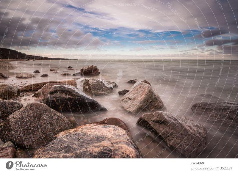Ostseeküste Natur Ferien & Urlaub & Reisen alt blau Wasser Erholung Meer Landschaft ruhig Wolken Strand Küste Stein Felsen Tourismus Idylle