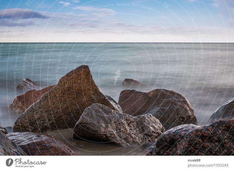 Ostseeküste Natur Ferien & Urlaub & Reisen blau Wasser Erholung Meer Landschaft ruhig Wolken Strand Küste Stein Felsen Tourismus Idylle Romantik