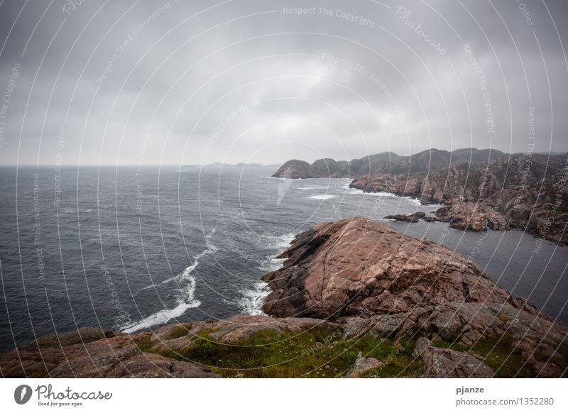 Ein Sturm zieht auf... Himmel Natur Wasser Meer Landschaft Wolken Strand Berge u. Gebirge Herbst Gras Küste grau Horizont Luft Nebel Wellen