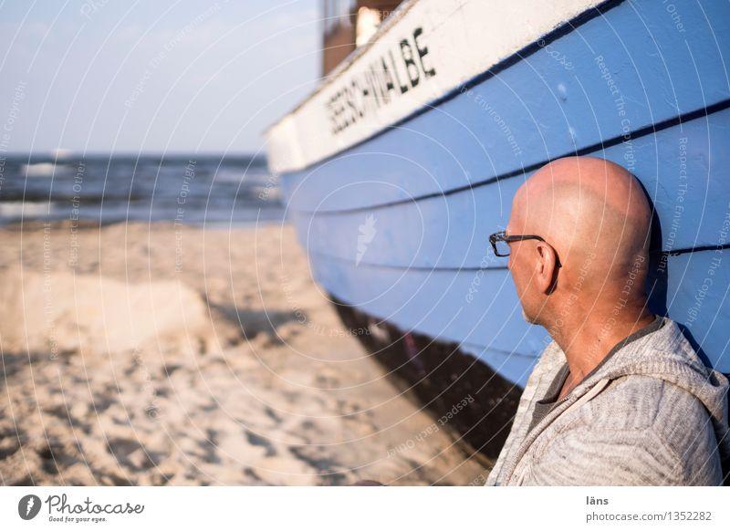 Seeblick Ostsee Wasserfahrzeug Ferien & Urlaub & Reisen maritim Usedom Fischerboot Mann Wegsehen Meer Seitenblick Strand Sand Mensch
