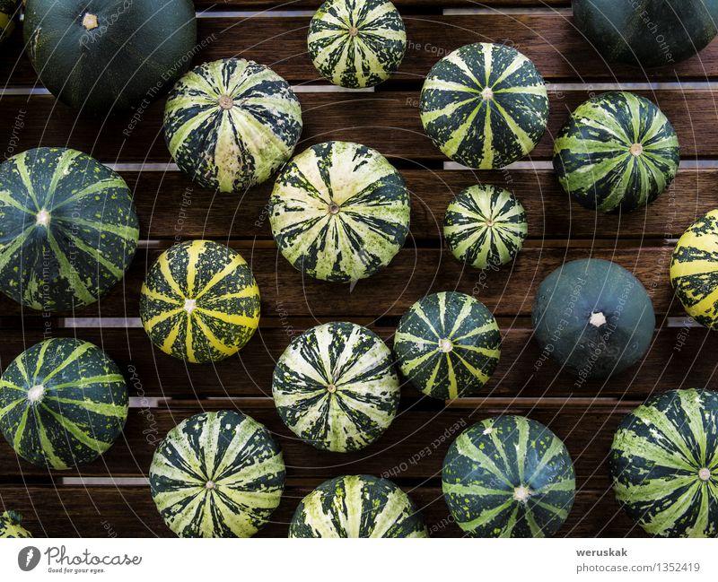 Cucurbita pepo Stillleben grüne pumkins Draufsicht gelb Herbst natürlich Foodfotografie klein außergewöhnlich Lebensmittel frisch Dekoration & Verzierung Tisch