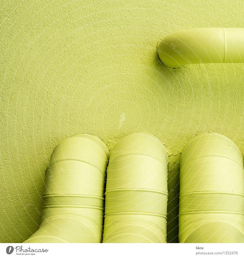 einer geht noch Wand Röhren grün Versorgung Technik & Technologie Haus Anschluss