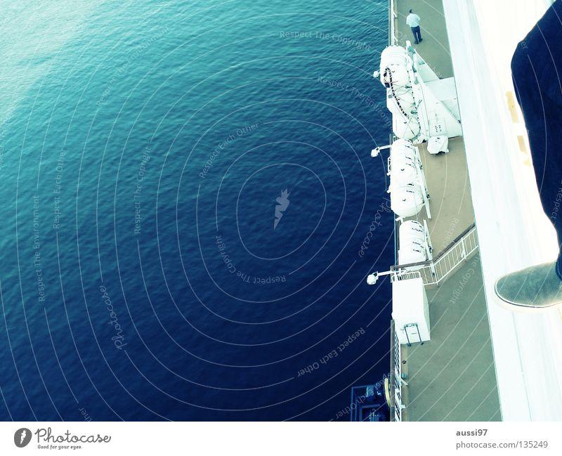 Deckwache Meer ruhig Wasserfahrzeug Industrie Schifffahrt Kreuzfahrt Pazifik Sonnendeck