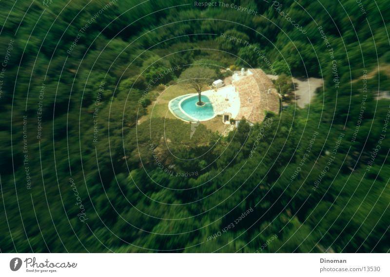Villa mit baum im Pool Baum Wald Schwimmbad Frankreich