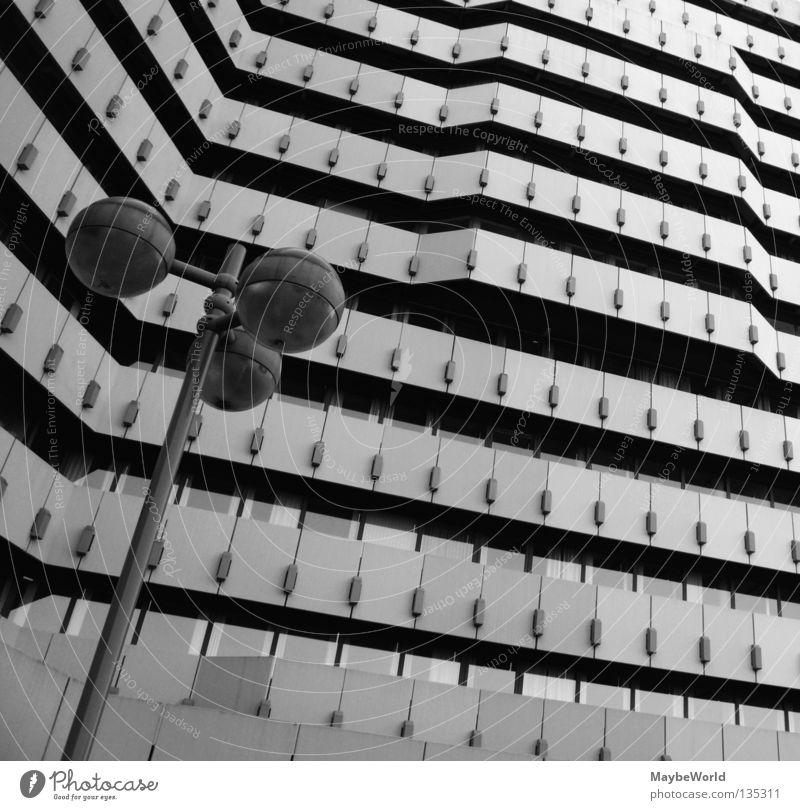 City Nord 6 Post Gebäude Fassade Fenster Hamburg City Nord building bw Schwarzweißfoto architecture Stadt street lamp windows