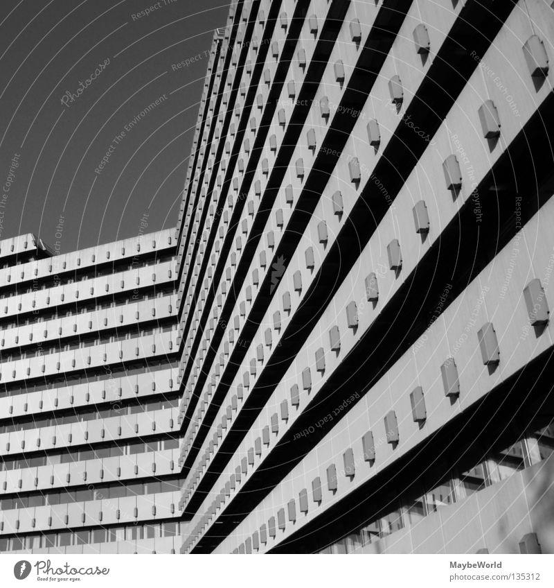 City Nord 7 Post Gebäude Fassade Fenster Hamburg City Nord building bw Schwarzweißfoto architecture Stadt windows