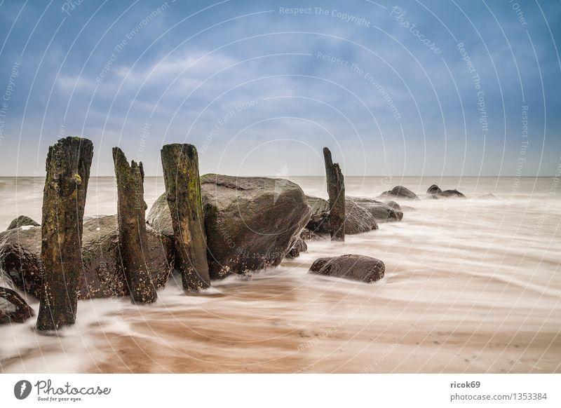 Buhne Erholung Ferien & Urlaub & Reisen Strand Meer Natur Landschaft Wasser Wolken Küste Ostsee Stein alt blau Romantik Idylle ruhig Tourismus Himmel