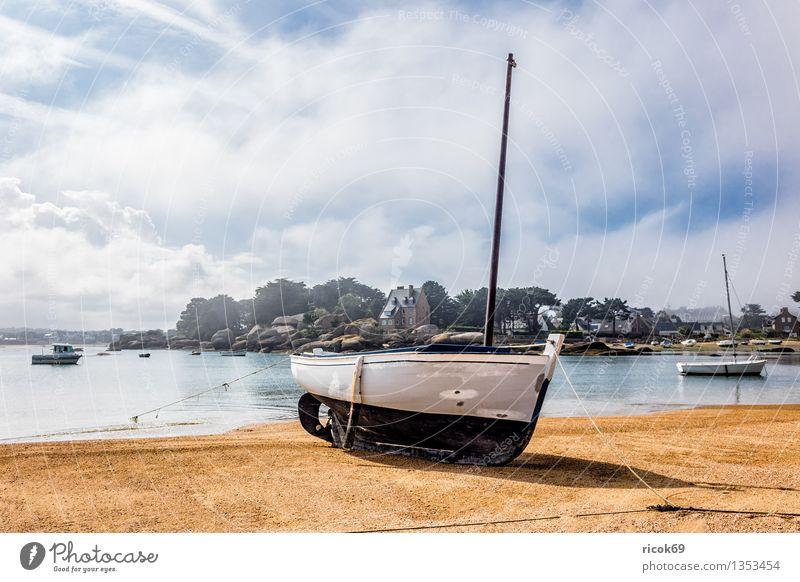 Hafen in der Bretagne Erholung Ferien & Urlaub & Reisen Natur Landschaft Wolken Küste Meer Sehenswürdigkeit Wasserfahrzeug Tourismus Atlantik Ploumanac'h