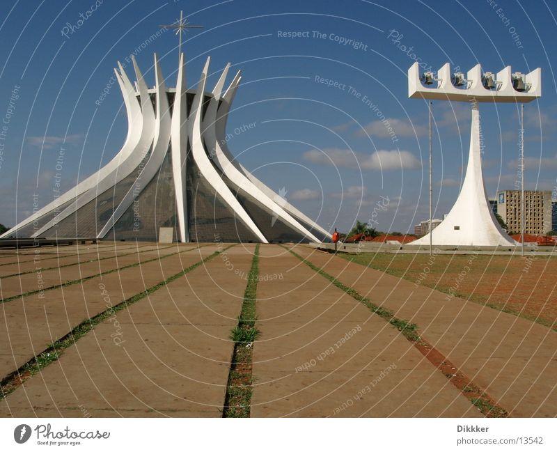 Brasilia, Kathedrale Brasília weiß Glocke Gotteshäuser Niemeyer Religion & Glaube Glas Himmel