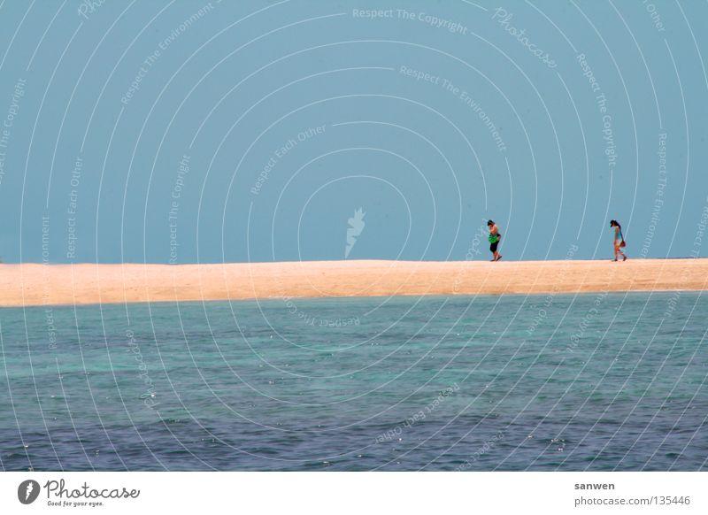 sandstrich Frau Mensch Wasser Himmel Meer blau Sommer Einsamkeit Wärme Sand Zusammensein Spaziergang Asien Physik tauchen Müdigkeit