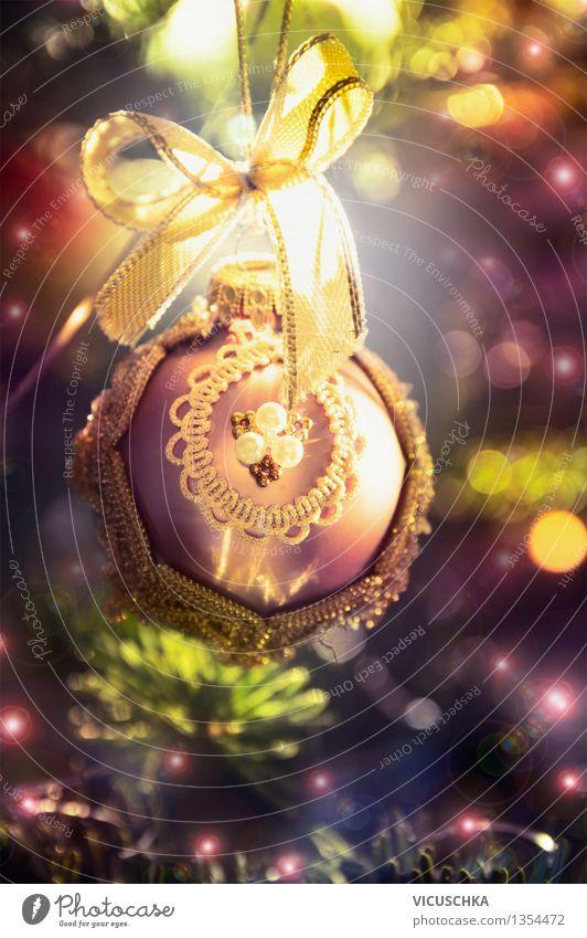 Retro Weihnachtskugel auf dem Tannenbaum Weihnachten & Advent Haus Winter Innenarchitektur Stil Hintergrundbild Lifestyle Feste & Feiern Stimmung Wohnung Design