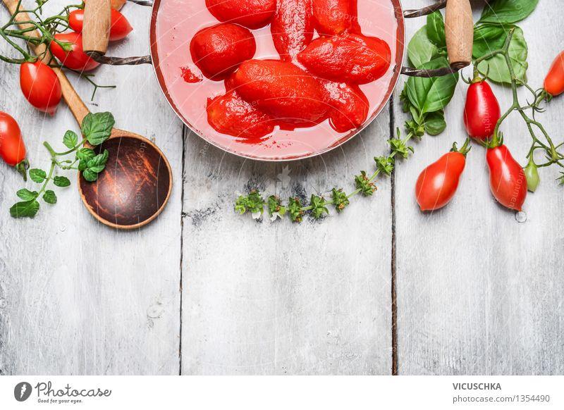 Geschälten Tomaten in eigenen Saft Lebensmittel Gemüse Kräuter & Gewürze Ernährung Bioprodukte Vegetarische Ernährung Diät Topf Löffel Stil Design