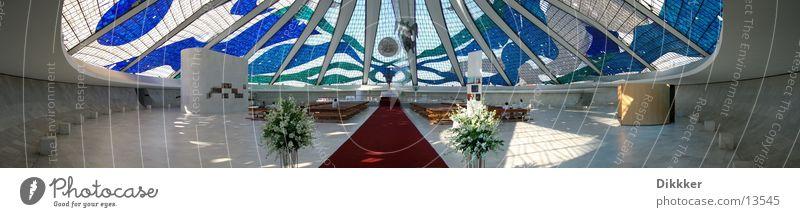 Kathedrale von Brasilia (Innen) weiß blau Religion & Glaube Glas groß Panorama (Bildformat) Gotteshäuser Brasilien Altar Brasília