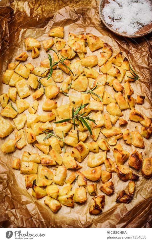 Rosmarinkartoffeln aus dem Ofen Natur Gesunde Ernährung gelb Leben Speise Essen Foodfotografie Stil Hintergrundbild Lebensmittel Design Tisch