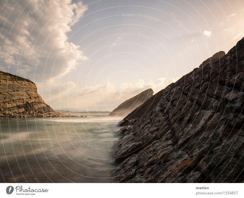 slash Umwelt Natur Landschaft Himmel Wolken Horizont Wetter Schönes Wetter Hügel Felsen Wellen Küste Bucht Riff Meer Insel blau braun gelb grau weiß Asturien