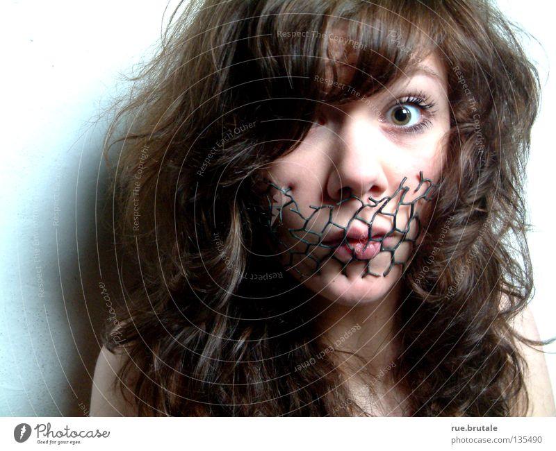 Stille ruhig Gefühle Mund Netz Stoff Draht erstaunt lockig Stacheldraht Meinungsfreiheit